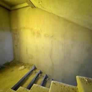 Оштукатурювання стін досягло 5-го фактичного поверху